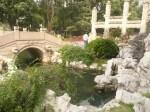 guanqi park jembatan dan gapura