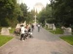 guanqi park salib dan makam