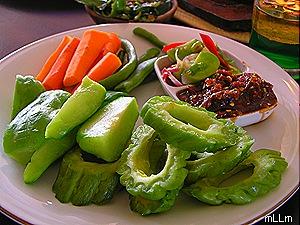 aneka sayuran dan sambel