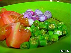 bawang brebes, cabe rawit dan tomat