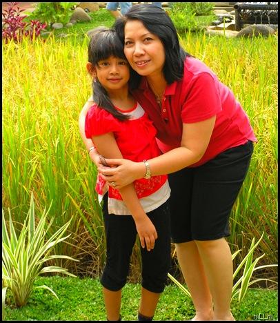 Selamat Hari Ibu .... foto dengan cucu