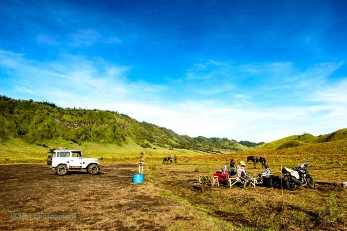 Parkir Jip, Warung, Kuda, Motor